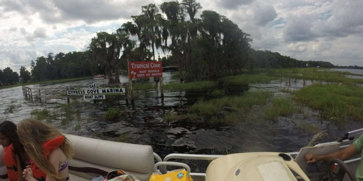How to Enjoy Boating on Authentic Florida Lakes