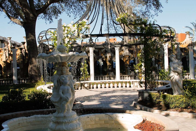 Kapok Tree Inn Florida Attraction-7