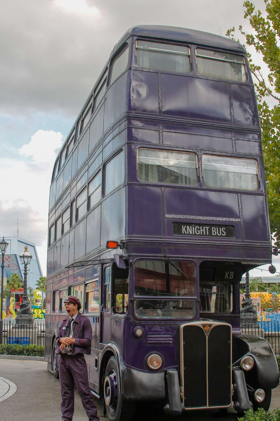 the Knight Bus at Wizarding World of Harry Potter