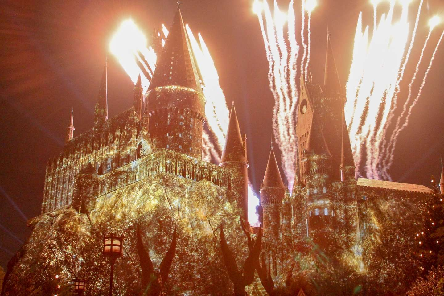 Wizarding World of Harry Potter Nighttime lights show.