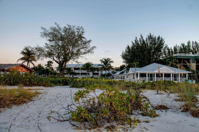 Beachfront Hotel Sanibel Island view of Island Inn from the beach