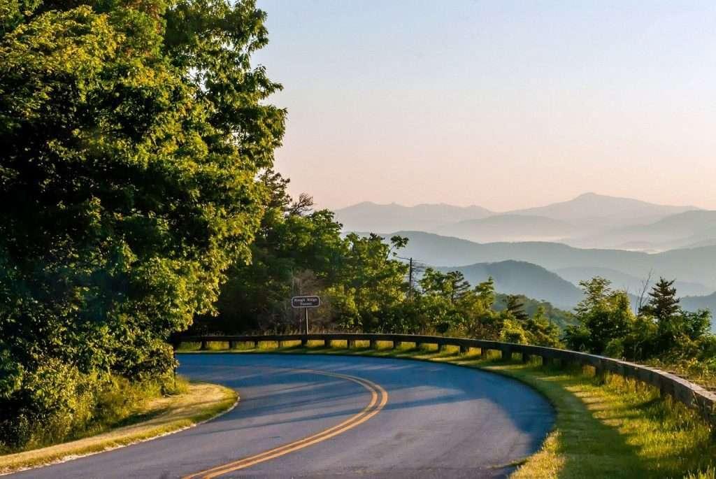 road through Blue Ridge Parkway