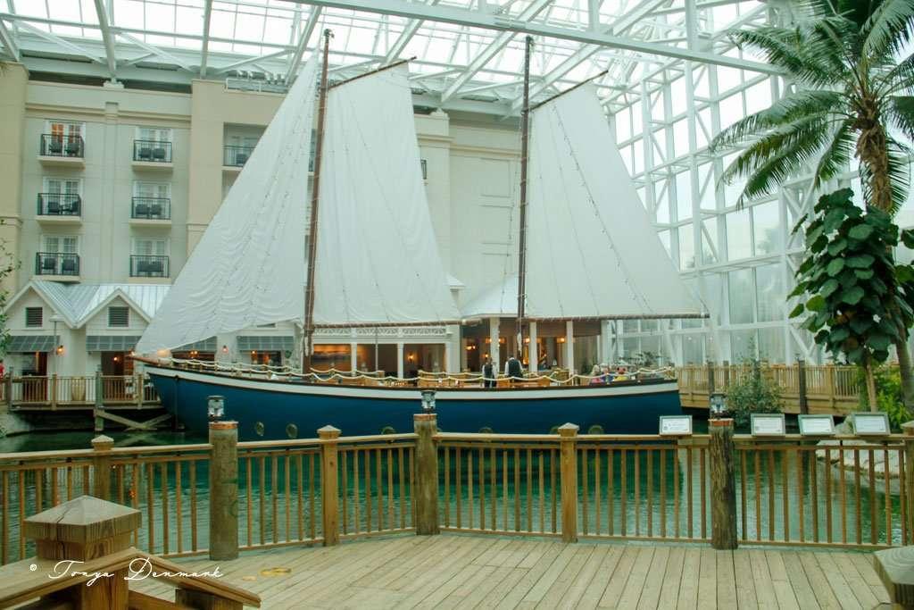 boat at Moor restaurant at the Gaylord Palms Resort