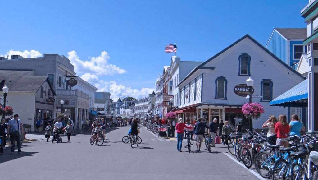 mackinac island, street, visitors