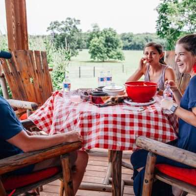 A Meaningful Gift for Moms Who Need a Break – Glamping